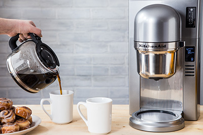drip-vs-pour-over-brewer