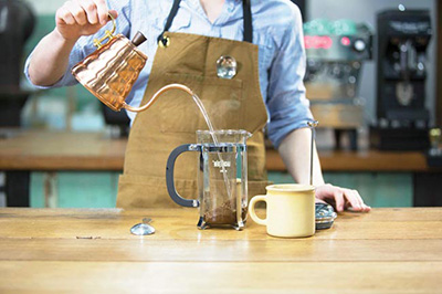cafetiere-coffee-pouring-the-water