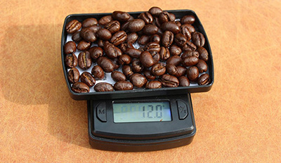 french-press-coffee-to-water-ratio-weighting-your-coffee-beans