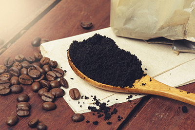 reuse-coffee-grounds-as-refrigerator-deodorant